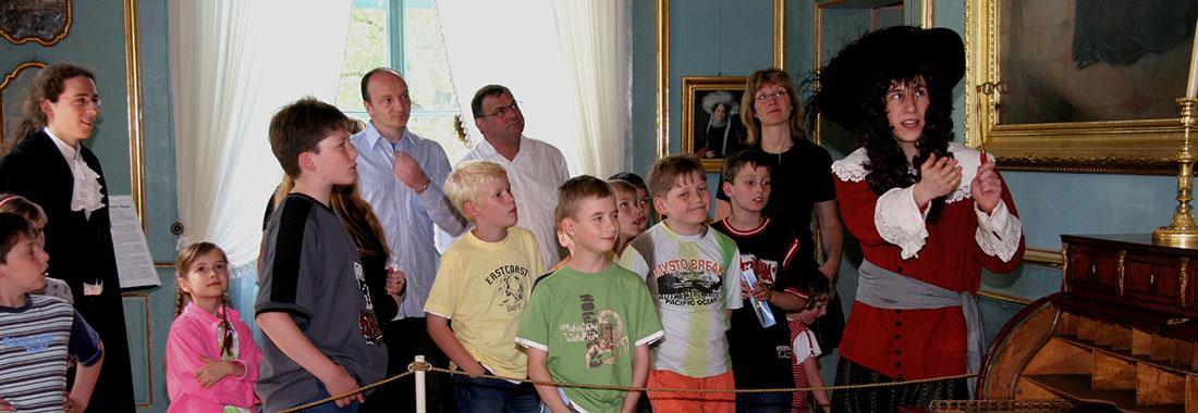 Schule im Museum - Kinderführungen, Kunstkurs, Schülerarbeitsblätter, Spielwelt Schloss